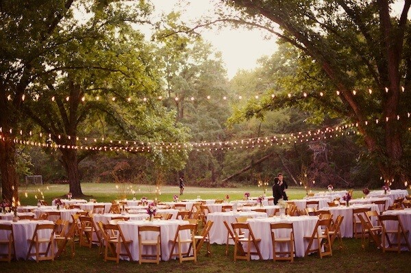 Southern-weddings-outdoor-reception-with-string-lights